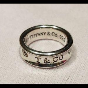 TIFFANY & Co 1837 Ring